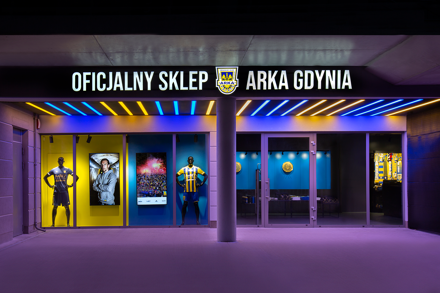 ARKA GDYNIA STORE IS WELCOMING BACK THEIR FANS   Axis Mason